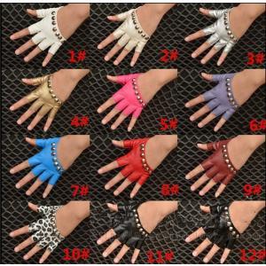 グローブ 半指 手袋 リベット付き パンク ブレスレット 男女兼用 ヒップホップ rainbow-beach88
