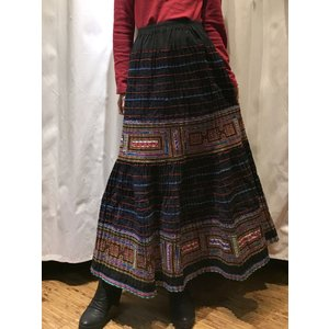 【モン族】手刺繍 フレアロングスカート 【ネイビー】|rainforest