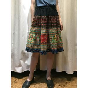 【モン族】手刺繍 プリーツミディアムスカート 【イエロー】|rainforest