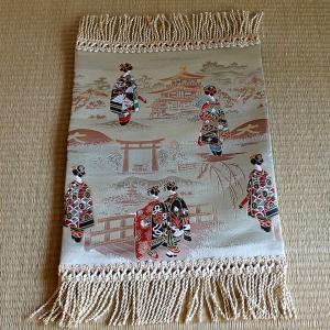 【メール便料無料!】西陣織 テーブルセンター(小)【舞妓】【7201】|rakusaicollection