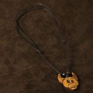 チベット ヤクの骨 カービング ペンダント 骸骨(ドクロ、スカル) ネックレス|チベット密教|彫刻|手彫り|ペンダント メール便対応可|rapanui