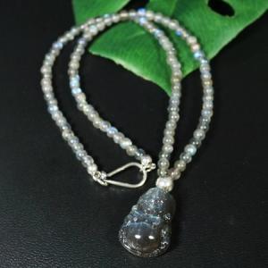 一点物 最高品質 ラブラドライト 布袋様(ほてい) 彫刻 ネックレス|弥勒菩薩|七福神|カービング|和柄|rapanui
