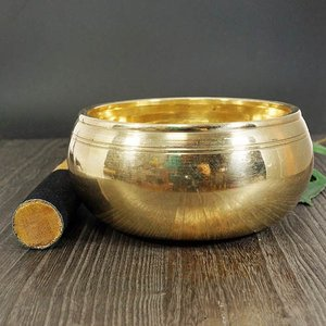 チベット シンギングボール 彫刻 マントラ オム(OM) スティック付 大|チベット密教|楽器|瞑想|手作り|rapanui