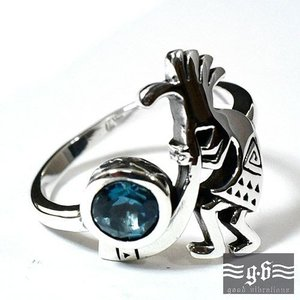 【goodvibrations】ネイティブアメリカン ココペリ(kokopelli) ロンドンブルートパーズ スターリングシルバー リング(指輪) rapanui