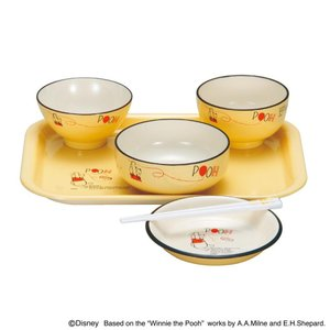 お食い初めにピッタリなプーのかわいい食器セットです。 生産国:日本 素材・材質:飯椀・汁椀・ボール・...