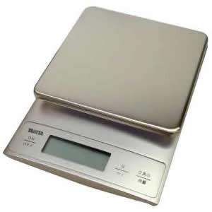 高精度計量、かつ液体も正確に計量でき、パンやお菓子作りをより便利にサポートします。