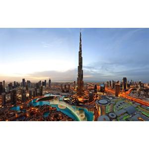 絵画風 壁紙ポスター  ドバイ ブルジュ・ハリファと高層ビル群 夕暮れ夜景 世界一超高層ビル アラブ首長国連邦 キャラクロ DBI-019W2 (ワイド版 603mm×376mm)|real-inter