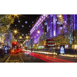 絵画風 壁紙ポスター  ロンドンのストリート・イルミネーション ロンドンバス クリスマス イギリス UK キャラクロ LND-016W1 (ワイド版 921mm×576mm)|real-inter