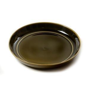 和食にも洋食にも活躍するシンプルなプレート皿。縁が立ち上がっているのでカレー皿にも使えます。プレート...