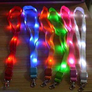 LED ネックストラップ 光る 発光 イベント ライブ コンサート パスケース ペンライト クラブ グリーン NS-LED-STRAP-GR|rebias