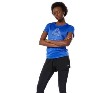 軽量で肌触りの良い素材を使用したスリムフィットのグラフィックTシャツ。背面中央部はメッシュの仕様で通...