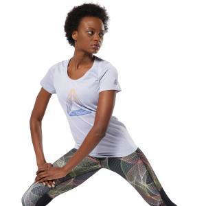 柔らかく、軽量でスリムフィットのTシャツは前面に反射プリントを施し、夜間のランニングでも視認性を確保...
