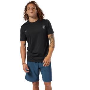 様々なプログラムで使用可能なレズミルズメンズTシャツです。吸汗速乾性をそなえたコットン混の素材で、さ...