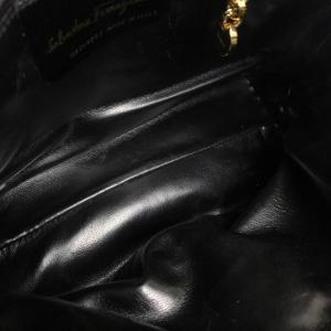 Salvatore Ferragamo サルヴァトーレフェラガモ キルティング ショルダーバッグ ブラック レディース 【中古】|reference|05