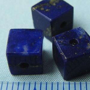 ラピスラズリ ラピス(瑠璃石)・キューブ5mm・1個【天然石ビーズ】 regalo-gemstone