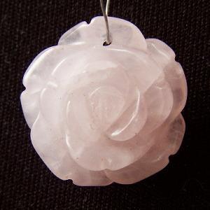 ローズクオーツ(紅水晶)・ローズペンダント・1個【天然石ビーズ】|regalo-gemstone