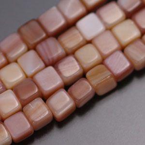 マザーオブパール・キューブ4mm・ピンク・10個分 regalo-gemstone