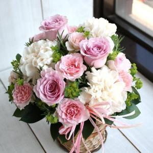 生花 フラワーアレンジメント バラとローズマリーのアレンジ 誕生日 敬老の日 プレゼント 花 女性 ...