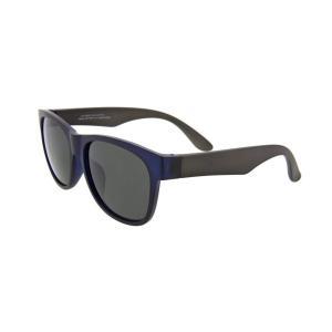 「TPX」という比重の軽い素材を使用したサングラス。 太目のデザインで浮力が増し、水に浮くほど軽量な...