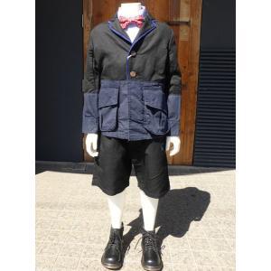 ミリタリージャケットとジャケットのリメイクデザインがかわいいジャケットとルーズなシルエットがかわいい...