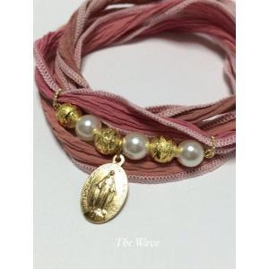 フランス製メダイとシルクリボンのブレス -Pink-|resortiara