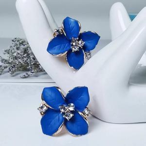 ロイヤルブルー 花のピアス ラインストーン|resortiara