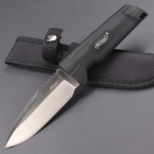 ●握りやすく滑りにくいワルサーのアウトドアナイフ●ドイツの銃器メーカーであるWALTHER(ワルサー...