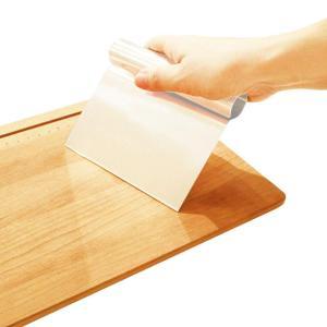 貝印 Kai House Select 生地とバターの混ぜ合わせなどに活躍する 金属製の スクレッパ...