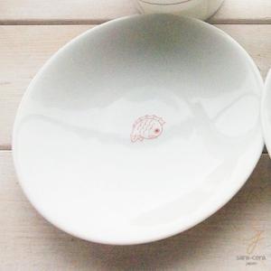 幸せの白い器 赤い糸  めで鯛 祝い鯛 おめでたい  小皿 12cm(※単品) 軽量白磁 丸皿|ricebowl