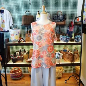 クルーネックタンクトップ ほにや 万華菊 ピンク 和柄 花柄|riguru-online