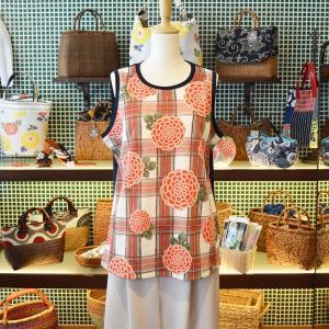 クルーネックタンクトップ ほにや 格子菊 赤 和柄 花柄|riguru-online