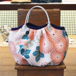 ほにや コロコロ豆バッグ 寿々丸 青磁色地 朱花 菊 小さな手提げ 和柄 和風 ころり 花柄|riguru-online