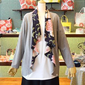 ほにや シフォンカーデ だりあ 紺 グレー地 花柄 和風 綿 ポリエステル HONIYA  春夏|riguru-online