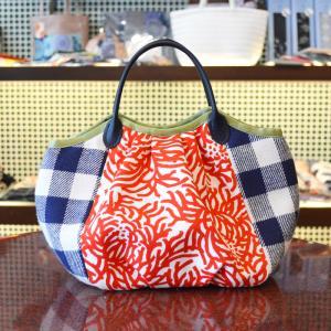 ほにや コロコロ豆バッグ 赤糸花 チェック 菊 小さな手提げ 和柄 和風 ころり 花柄|riguru-online