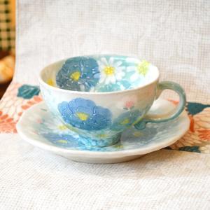 工房ゆずりは カップ&ソーサー 青彩小花 瀬戸焼 花柄 優しい感性 女性だけの工房 手描き 可憐 彩り豊か 母の日 陶器 コーヒーティーカップ  riguru-online