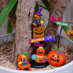 ハロウィン ミニチュア4Pセット 2柄 置物 装飾 かわいい 演出 小物|rinasora