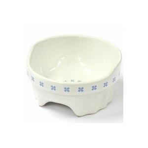 陶器と磁器の両方の良い特性を持つ半磁器という素材を使用しました。陶器と比べて水洗いに強く、また硬度も...