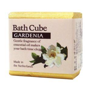 上品なお菓子のような、ナチュラル&エレガントなパッケージの入浴剤です。 エッセンシャルオイルの繊細で...
