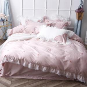 【SD/D/Q】いちご刺繍 ガーリー フリルデザイン 高級感たっぷり ベッドカバー 4点セット|roomfort