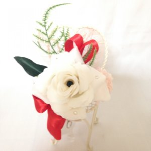 クリスタルパフュームフラワー チェアホワイト 母の日 ギフト 贈り物 誕生日 送別会 結婚式|rose-f