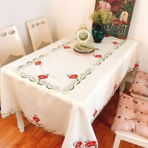 6人卓/150X220cm  NEW/カットワーク刺繍 お洒落  テーブルクロス 薔薇|rose-viva-shop