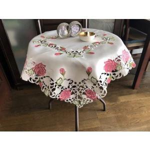 テーブルクロス85cm ピンク薔薇≫ カットワーク刺繍   白地 105 |rose-viva-shop