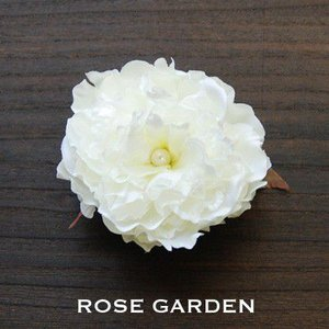【結婚式2次会、成人式のヘアアクセ】ピオニー・ホワイトコサージュ|rosegarden
