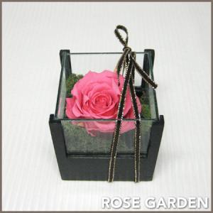 プチギフト 誕生日プレゼント ウッド&ガラス ピンク  プリザーブドフラワー 女性向け|rosegarden