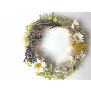 白いマーガレットのナチュラルリース ドライフラワー バラ ギフト