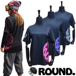 背中までつながった大きなロゴが特徴のドライ素材のTシャツ。 雪に濡れても速乾性なので、春先のゲレンデ...