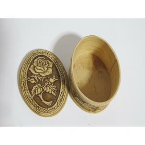 白樺の皮ベレスタで作った箱 だ円形 型押し 一輪のバラ ruinok-2