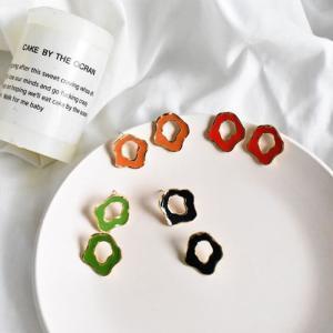 ピアス レディース 変形リング デザイン レッド ブラック オレンジ グリーン ワンサイズ|rumsee