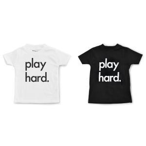 Nor-Folk イギリス製 子供服/キッズ Tシャツ 'Play Hard' ギフトやお祝いにも【モノトーン おしゃれ 親子 お揃い プレゼント】 ruskea