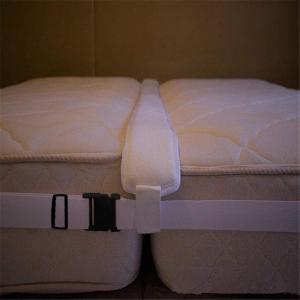 shopparadise マットレスバンド すきまパッド 2点セット 隙間対策 クッション性抜群 マットレス ベッド マット 固定 連結 バ|rysss